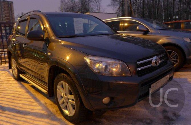 подержанный авто Toyota Rav 4 2007 года