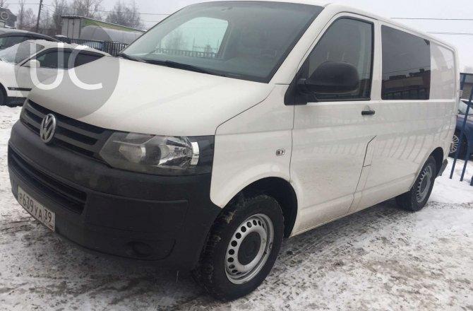 подержанный авто Volkswagen Transporter 2014 года