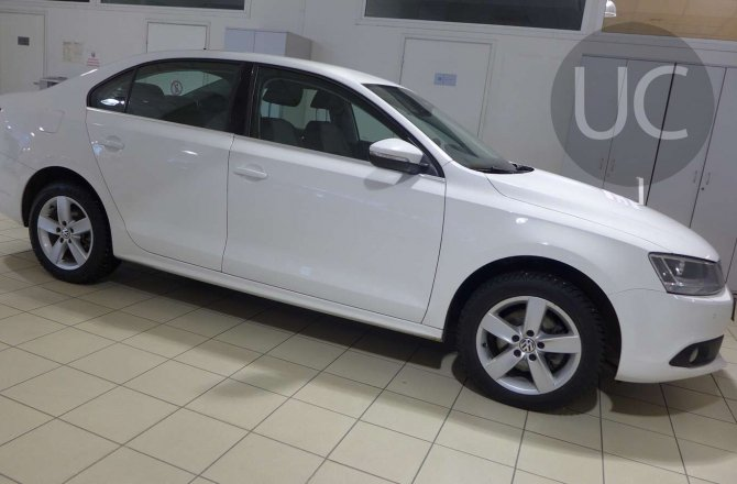 подержанный авто Volkswagen Jetta 2012 года