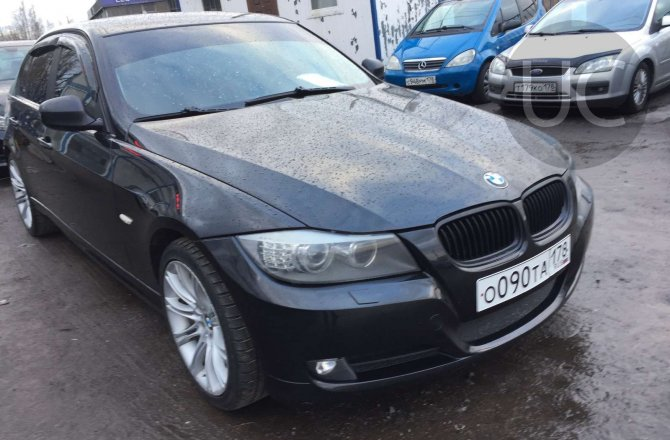 подержанный авто BMW 3 series 2009 года