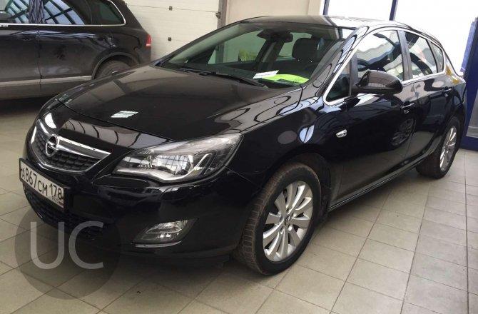 подержанный авто Opel Astra 2010 года
