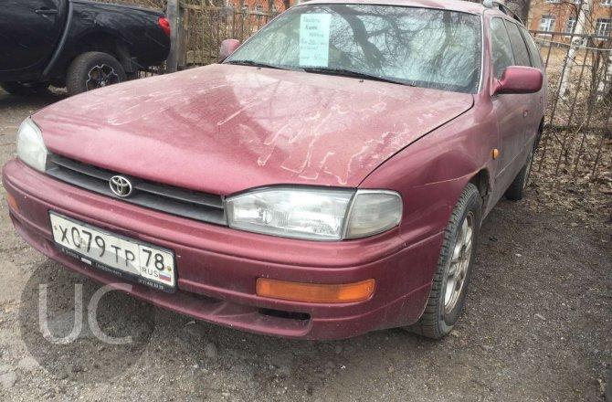 подержанный авто Toyota Camry 1994 года