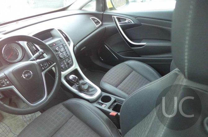 объявление о продаже Opel Astra 2011 года