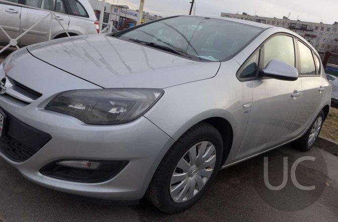 подержанный авто Opel Astra 2014 года
