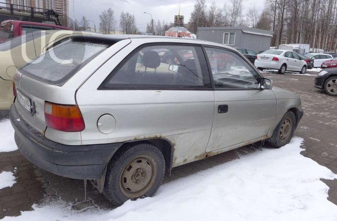 подержанный авто Opel Astra 1992 года