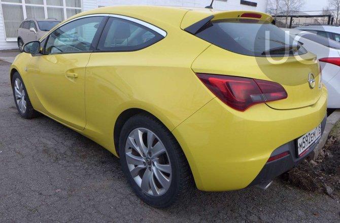 подержанный авто Opel Astra 2011 года