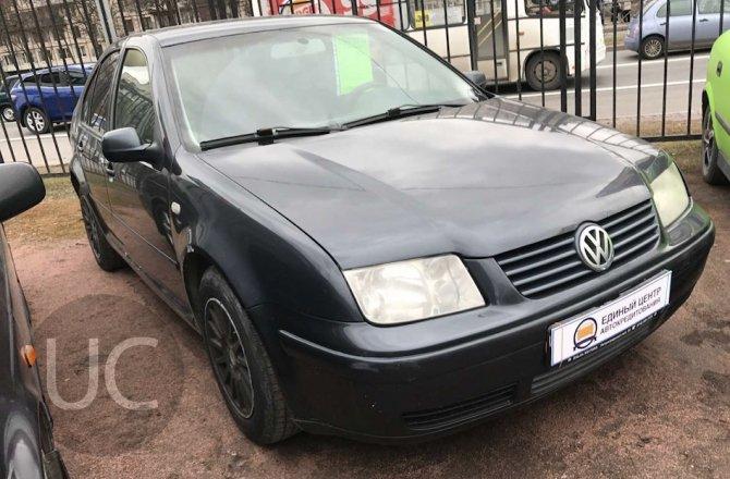 подержанный авто Volkswagen Bora 2000 года