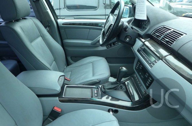объявление о продаже BMW X5 2004 года