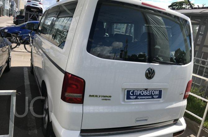 Volkswagen Multivan 2013 года за 1 899 000 рублей