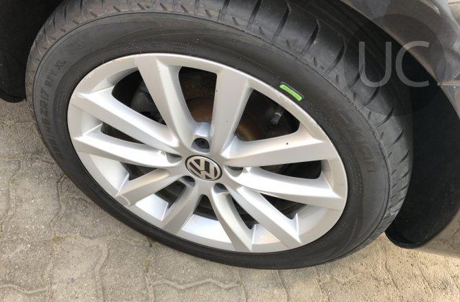 объявление о продаже Volkswagen Passat 2013 года