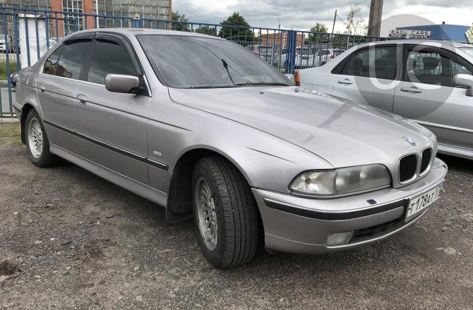 подержанный авто BMW 5 series 2000 года