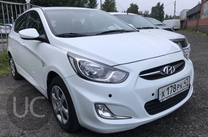 подержанный авто Hyundai Solaris 2013 года