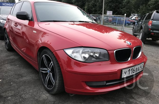 подержанный авто BMW 1 series 2011 года