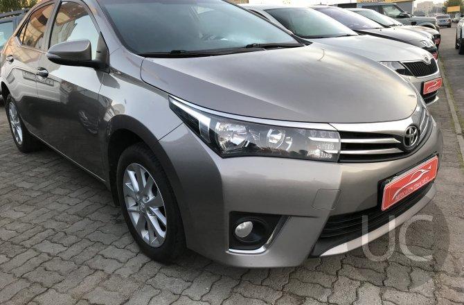 подержанный авто Toyota Corolla 2014 года