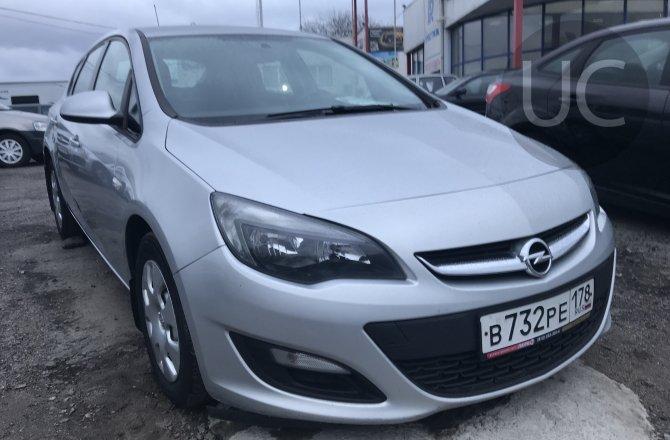 подержанный авто Opel Astra 2013 года