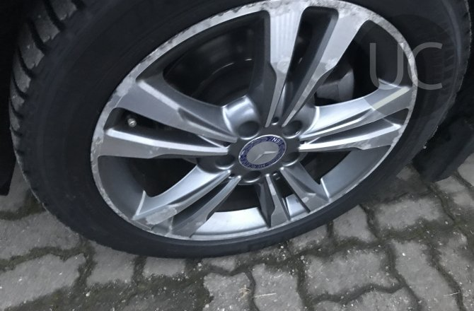 подержанный авто Mercedes-Benz E-Class 2013 года
