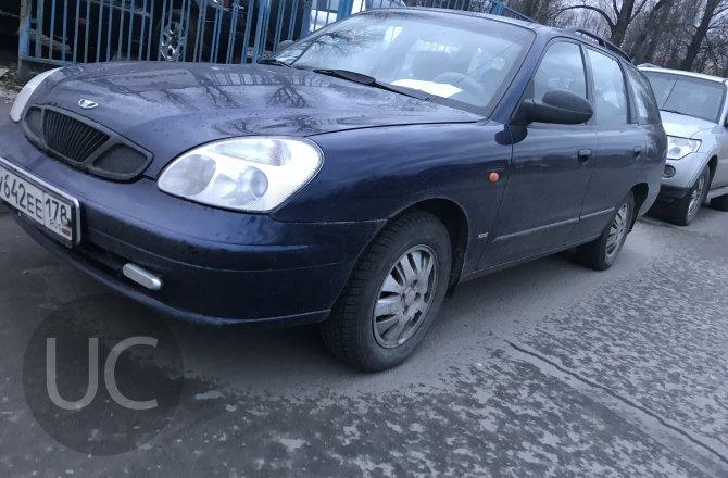 подержанный авто Daewoo Nubira 2000 года