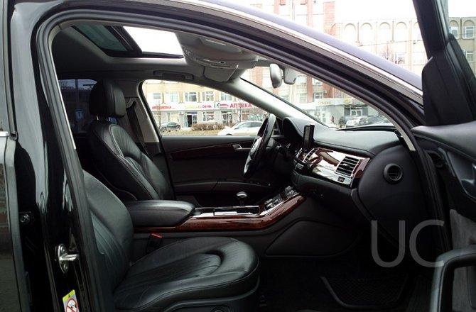 подержанный авто Audi A8 2012 года