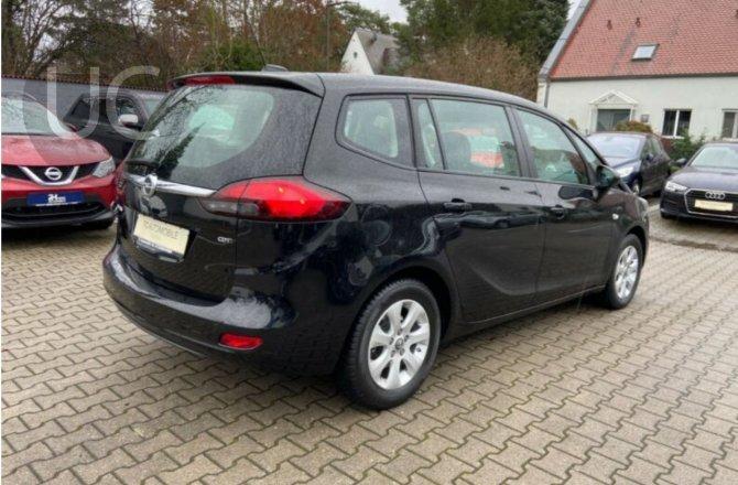 объявление о продаже Opel Zafira 2017 года