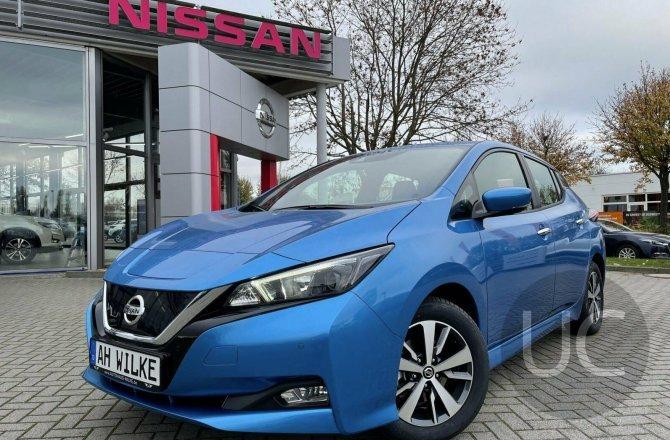 подержанный авто Nissan Leaf 2020 года