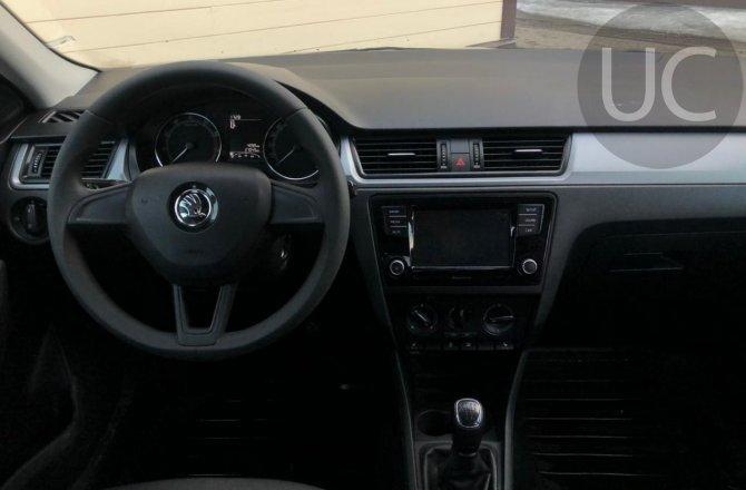 подержанный авто Skoda Rapid  2018 года