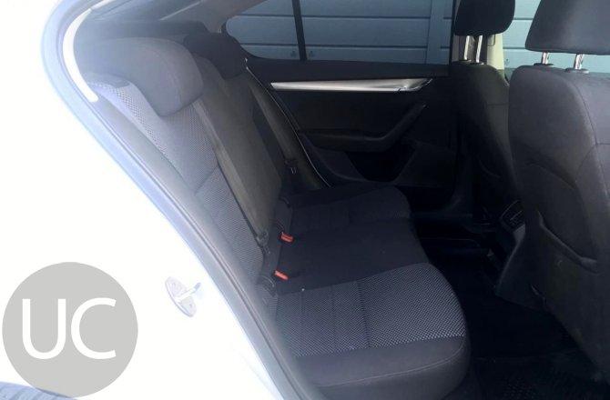 подержанный авто Skoda Octavia 2013 года