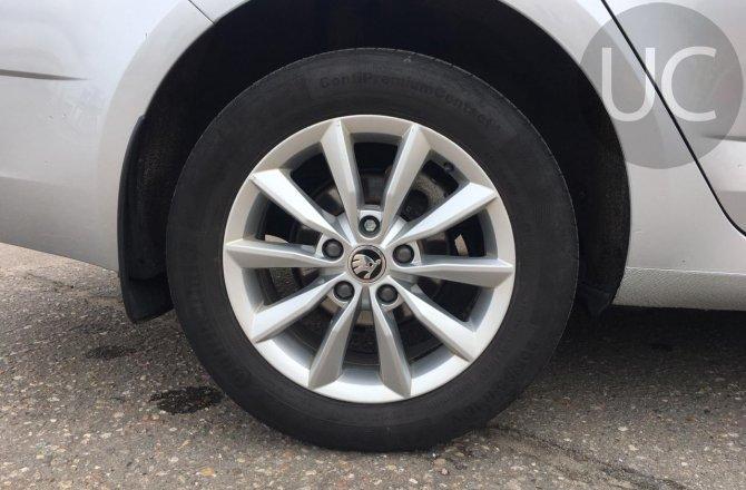 подержанный авто Skoda Octavia 2017 года
