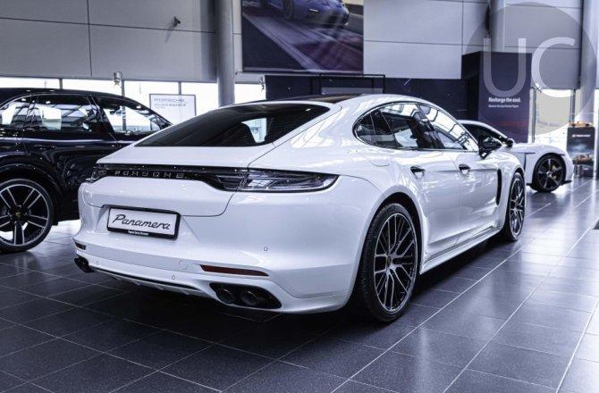 купить б/у автомобиль Porsche Panamera 2020 года