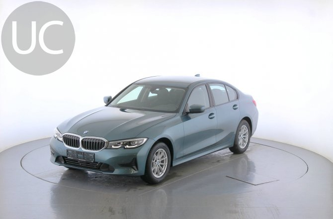 подержанный авто BMW 3 series 2019 года