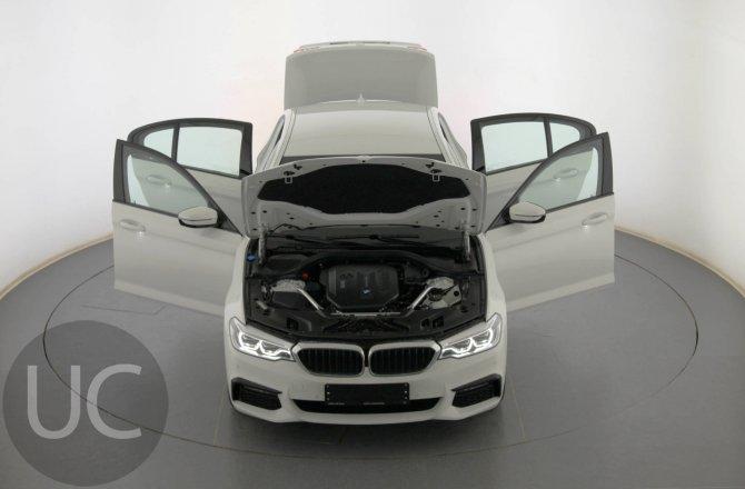 купить б/у автомобиль BMW 5 series 2019 года