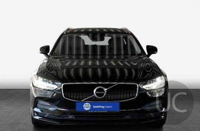 подержанный авто Volvo V90 2018 года