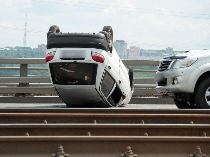 Опрокидывание автомобиля в Кемерове