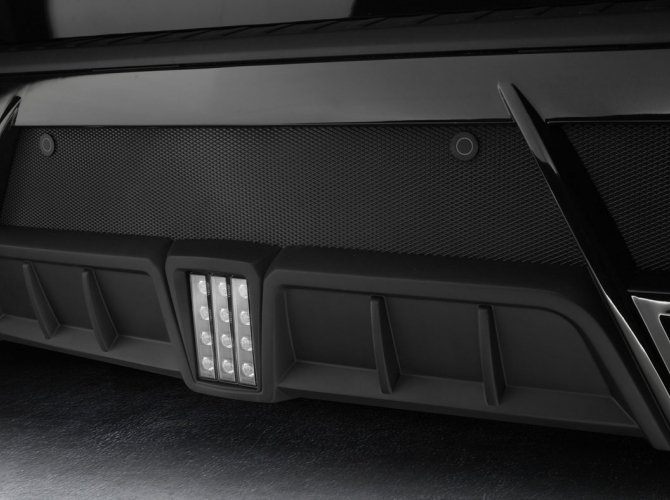 Mercedes-Benz_GL_Larte_Design_5.jpg