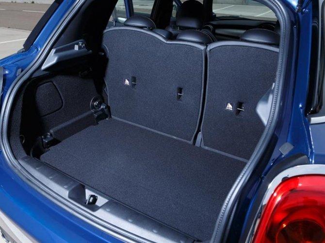0012-New-Mini-Cooper-5-door-photo-gallery-and-specifications.jpg