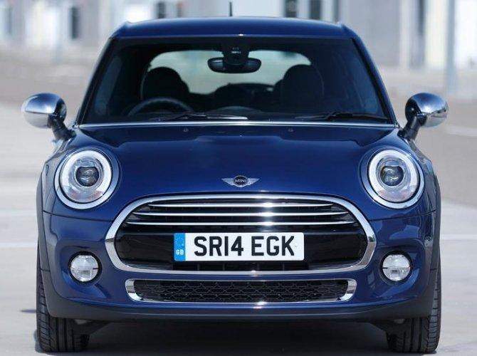 0008-New-Mini-5-door-photo-gallery-and-specifications.jpg