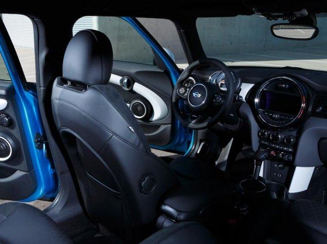 0016-New-Mini-Cooper-5-door-photo-gallery-and-specifications.jpg