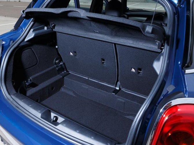 0013-New-Mini-Cooper-5-door-photo-gallery-and-specifications.jpg