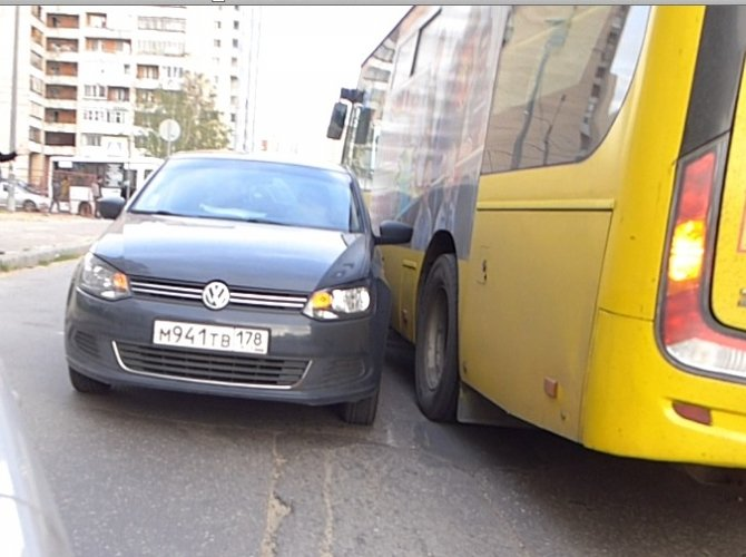 ДТП на улице Жени Егоровой