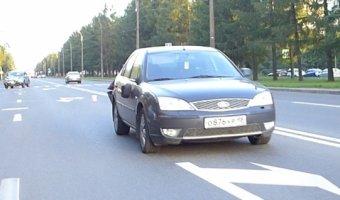 На Мориса Тореза кроссовер Honda CR-V врезался в затормозивший у