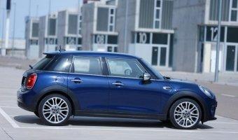 Пятидверный хэтчбэк от Мини получил имя Mini Hardtop 4-door