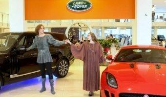 Прием в саду: Авто АЛЕА представила два воплощения автомобильного идеала