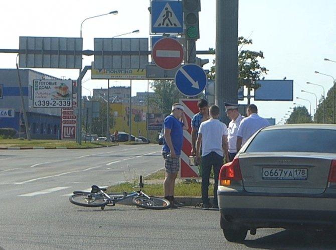Наезд на велосипедиста на маршала Блюхера