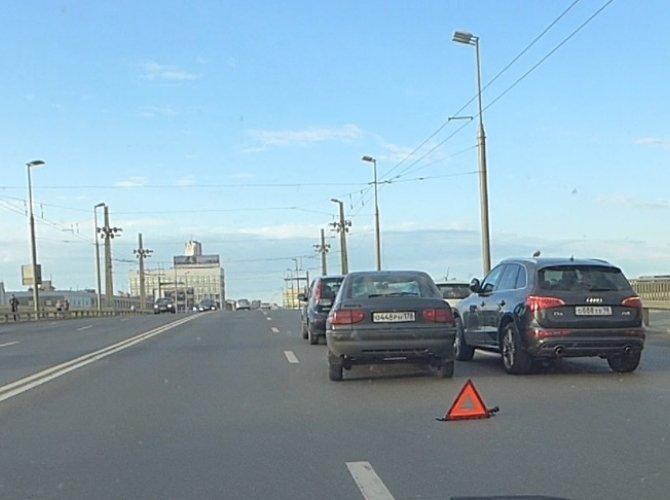 ДТП на Кантемировском мосту