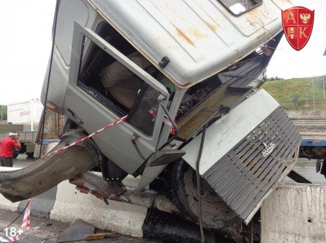 ДТП с грузовиком в Новосибирске