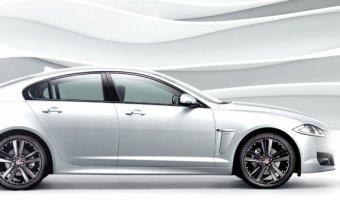 Jaguar XF для избранных: белоснежная коллекция