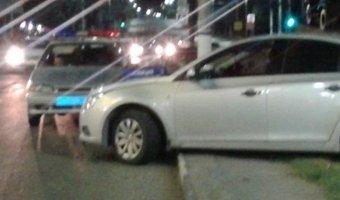 35-летний водитель: управляя автомобилем Chevrolet Cruze, врезался в цветочную клумбу