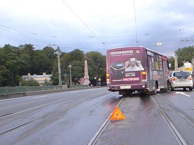 ДТП на Каменноостровском мосту