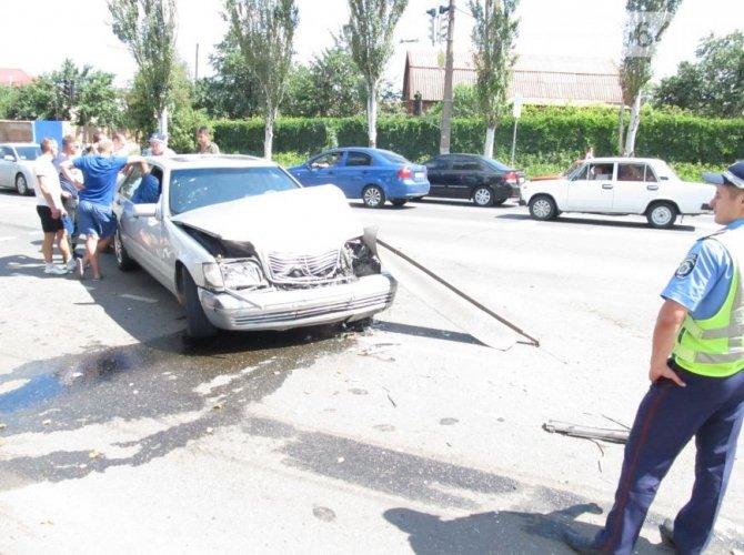 ДТП с участием Mercedes-Benz в Кривом Роге