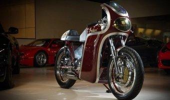 Специалисты тюнинг-ателье Analog Motorcycles восстановили винтажный Indian Scout 1949 года, простоявший в углу гаража