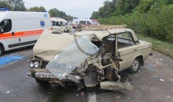 В страшной аварии  на автодороге Одесса-Киев погибли три человека, 13 пострадавших